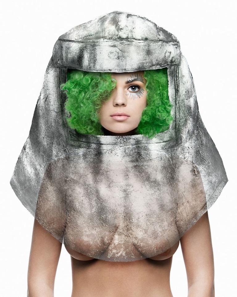 4dd4c-spacegirl